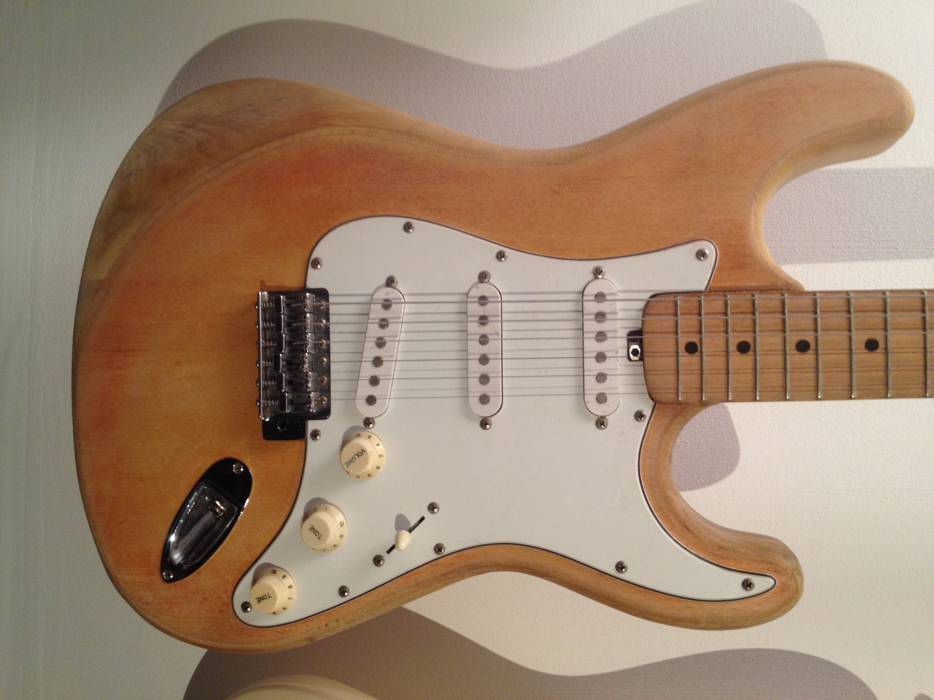 Dm50 Strat Wiring Another Blog About Diagram 3 Way Guitar Switch Import Identification Help Please Pic Included Fender